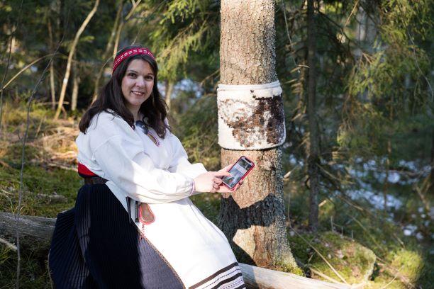 Jenni Suunnittelee Ryijyä Kuvasta